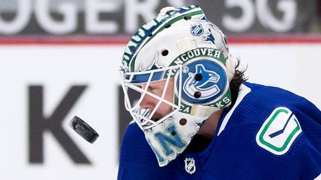 加拿大温哥华加人冰球队25人确诊感染新冠病毒,比赛取消